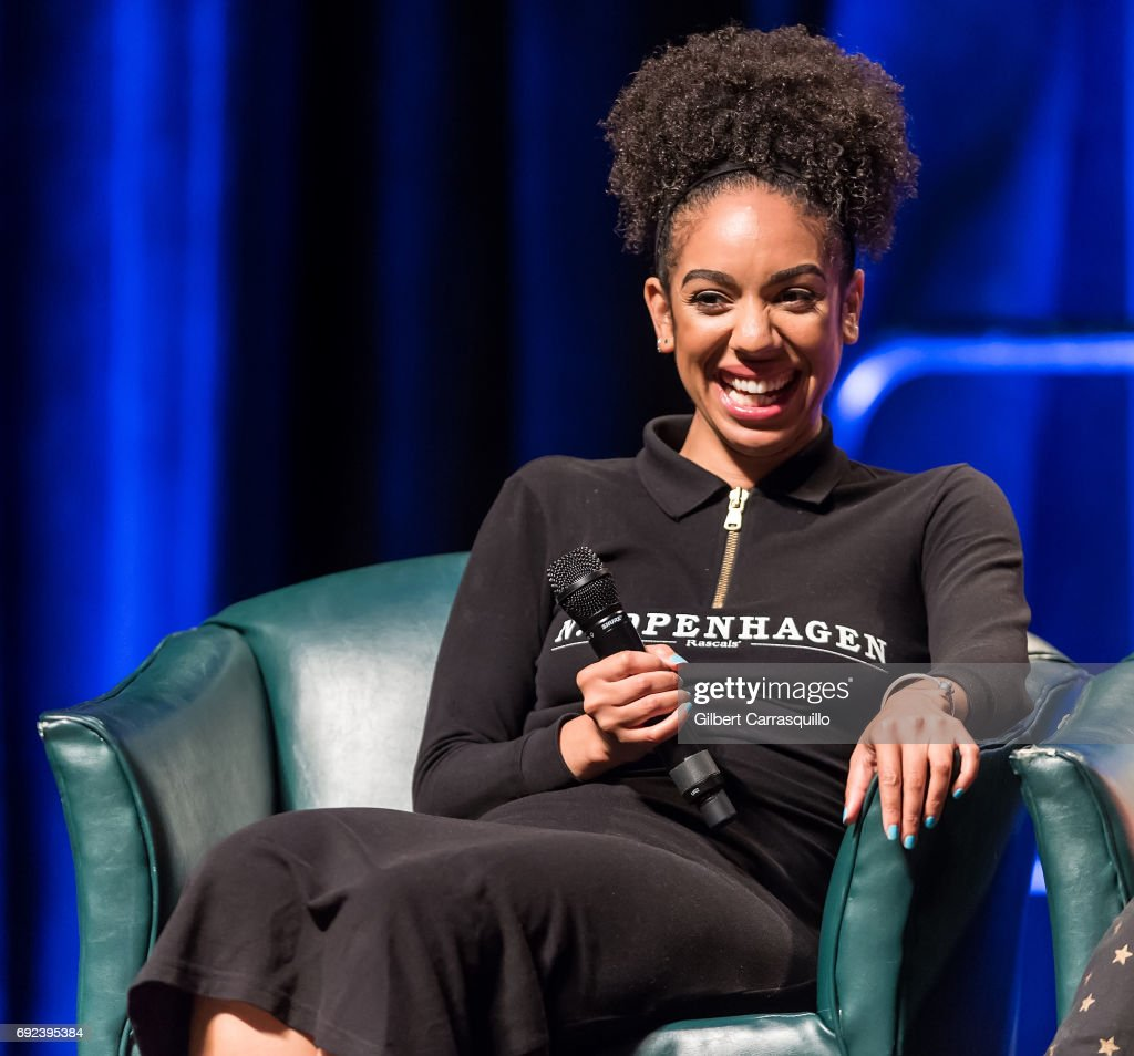 Pearl Mackie attends Wizard World Comic Con Philadelphia 2017 - Day 4 at Pennsylvania Convention Center on June 4, 2017 in Philadelphia, Pennsylvania.