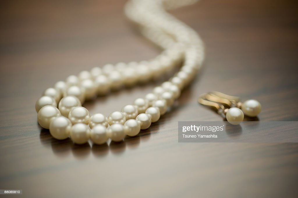 Pearl necklace : Foto de stock