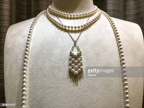 pearl necklace - pearl necklace stock pictures, royalty-free photos & images