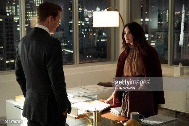 SUITS 'Peas in a Pod' Episode 814 Pictured Gabriel Macht as Harvey Specter Abigail Spencer as Dana Scott
