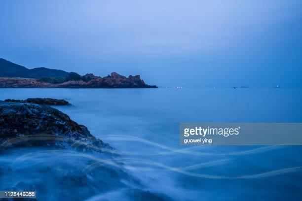 pebble beach - coastline - 目的地 fotografías e imágenes de stock