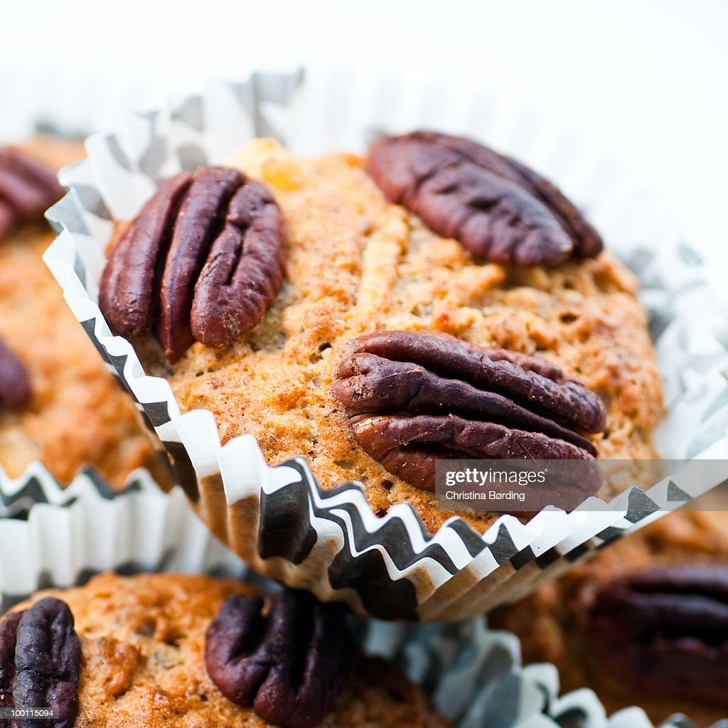 Pecan nut muffins : Stock Photo