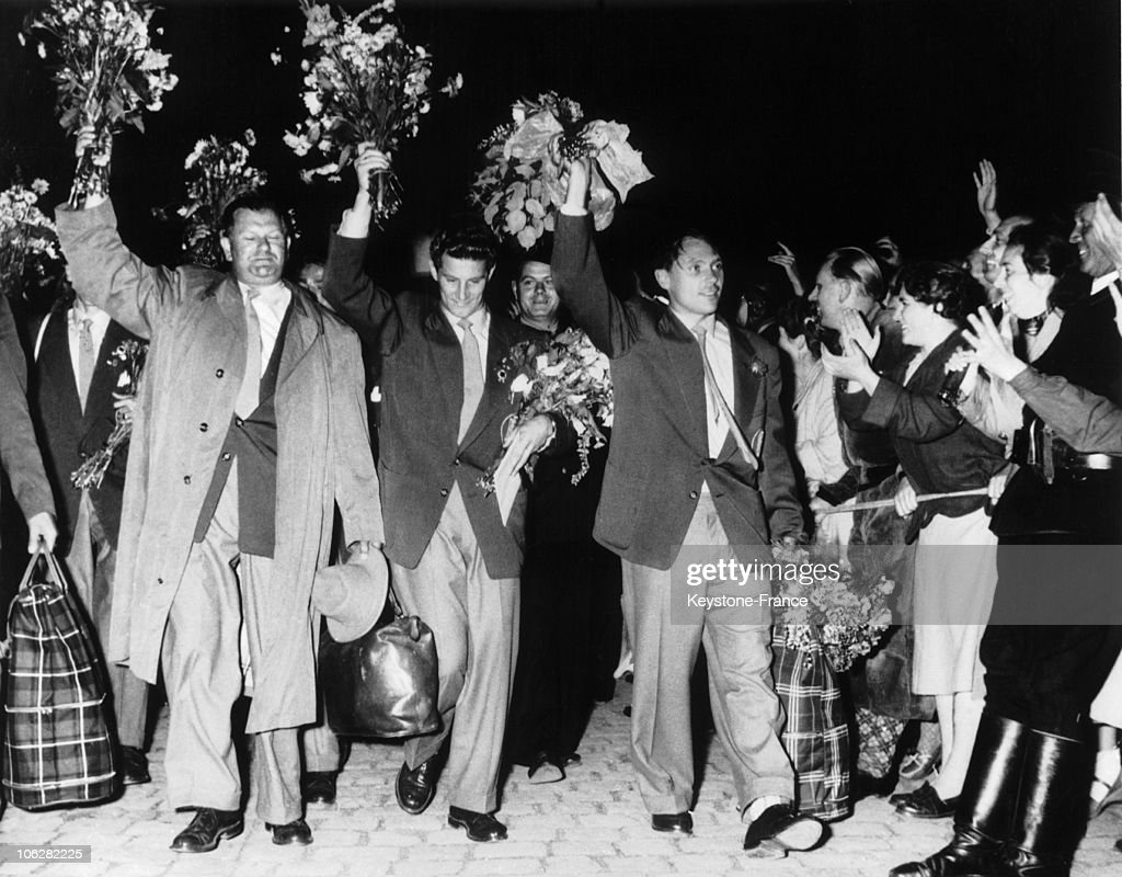Triumphal Reception for the Winners of World Cup Football 1954 : News Photo