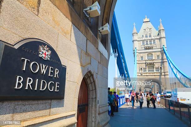 Pedestrains and traffic on Tower Bridge, London