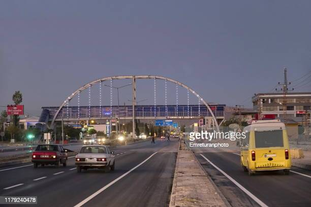 pedestrian bridge across the main road,van province. - emreturanphoto stock-fotos und bilder
