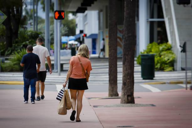 FL: Shopping As Supply Chain Delays Poised To Disrupt Peak Season Retail