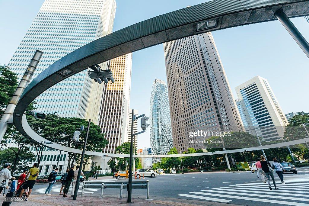Pedestrian crossing in Shinjuku district, Tokyo, Japan : ストックフォト