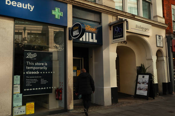 GBR: William Hill Plc Gets Takeover Approaches From Apollo, Caesars