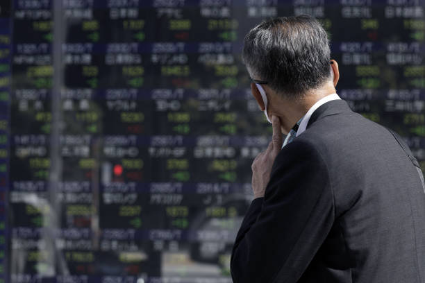 JPN: Japan's Topix Set for Lowest Close Since August on Europe Woes
