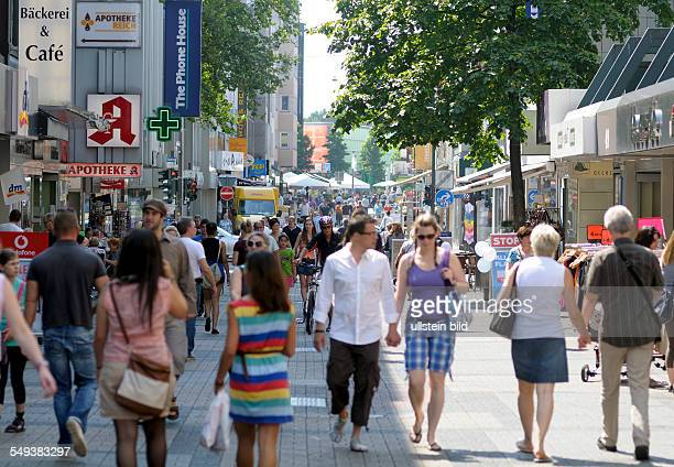 Pedestrian precinct in Bochum people going shopping