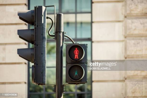 pedestrian traffic lights - walk don't walk signal stock pictures, royalty-free photos & images