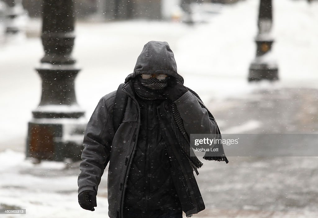 Detroit Deals With Heavy Snow And Bitter Cold : News Photo
