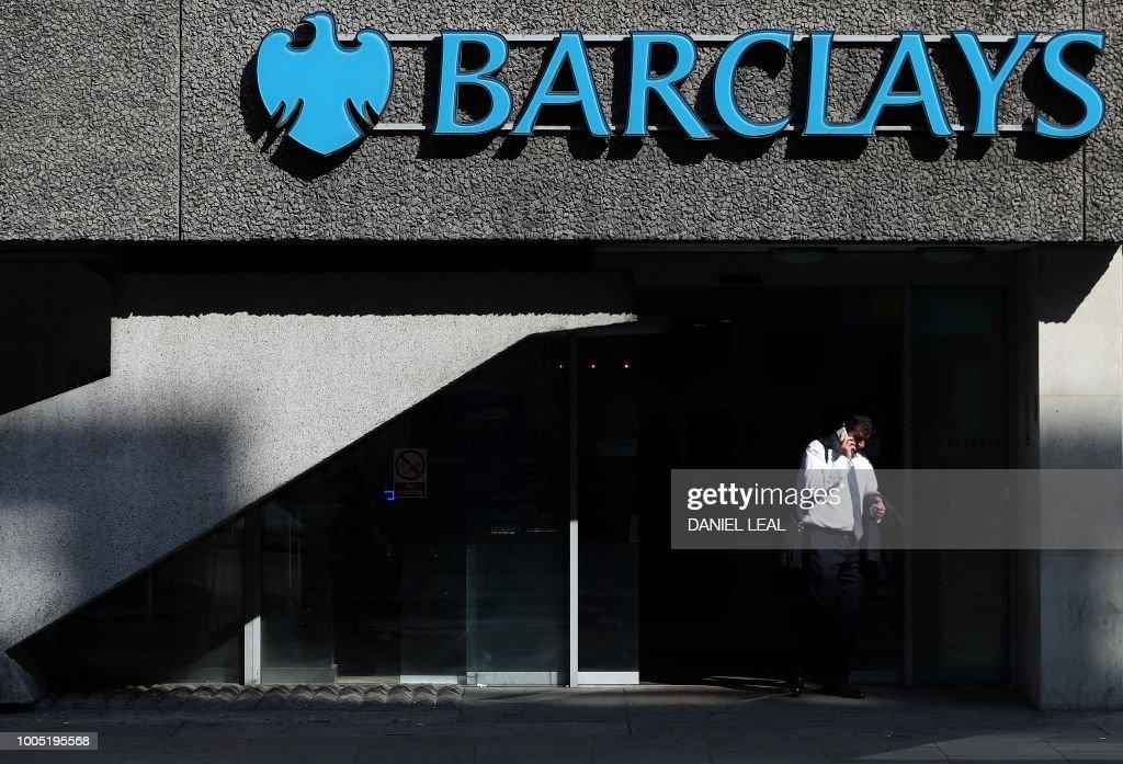 BRITAIN-BANKING-ECONOMY-FINANCE-COMPANY-BARCLAYS : Fotografía de noticias