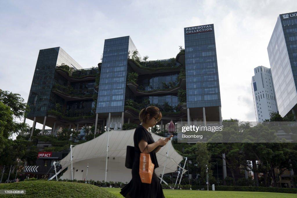 Singapore Prepares For a Far Hotter World Than the Paris Target : News Photo