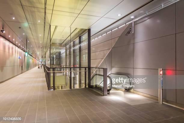 Pedestrian walkway in De Pijp Metrostation