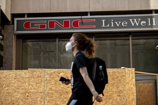 DC: GNC Discusses Bankruptcy Loan Before June 15 Debt Trigger