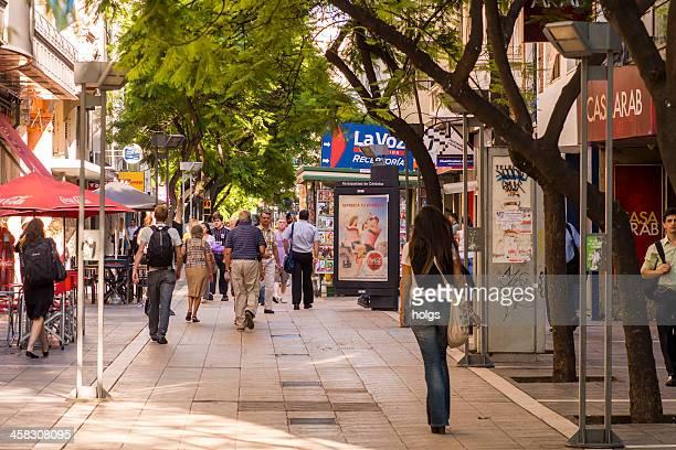 pedestrianised street, córdoba, argentina - cordoba argentina fotografías e imágenes de stock