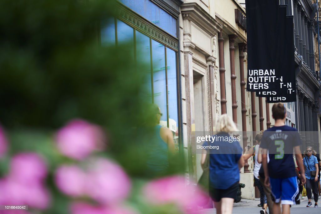 Shoppers In Soho Ahead of Retail Figures