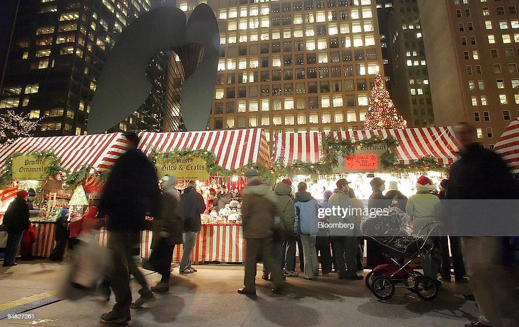 Chicago German Christmas Market.Pedestrians At The German Christmas Market In Chicago