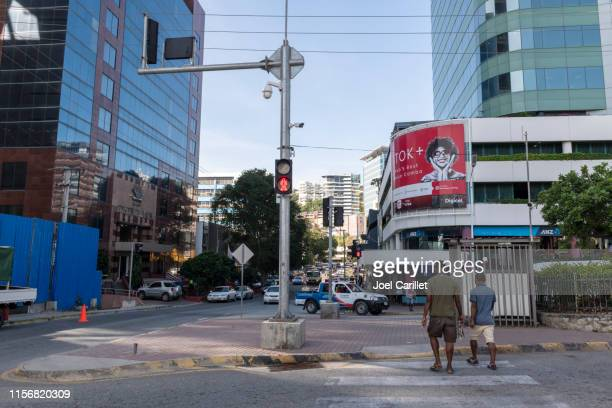 pedestrians in port moresby - port moresby stock pictures, royalty-free photos & images