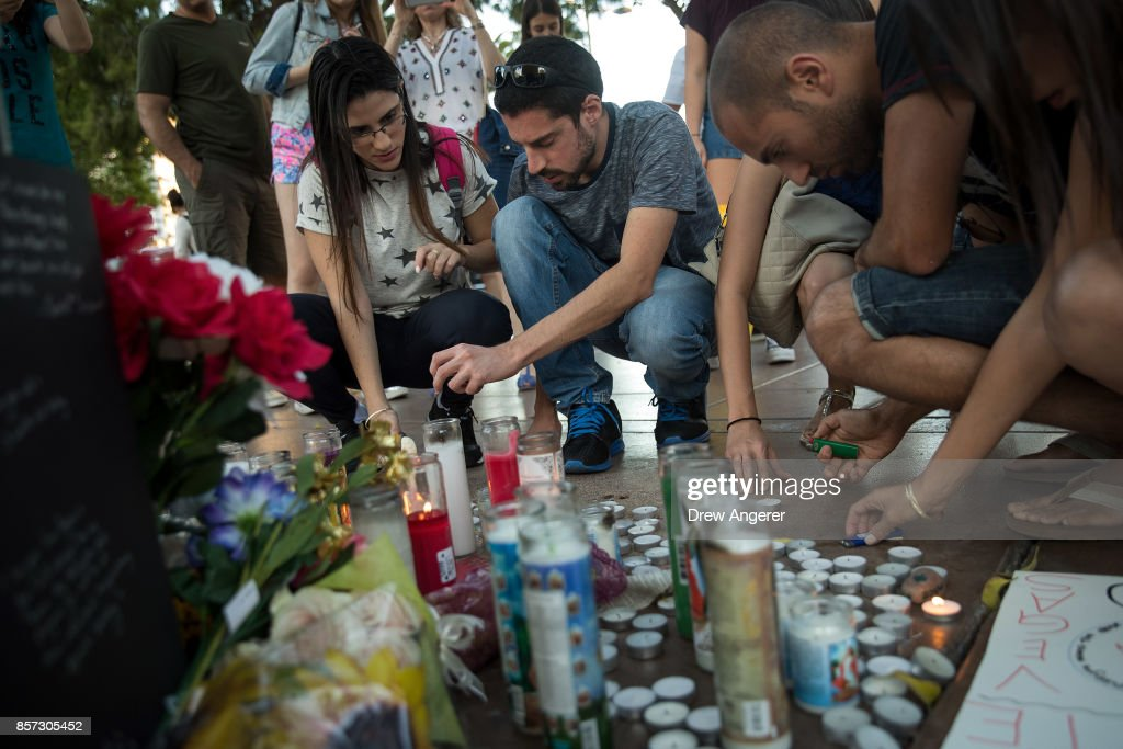 Las Vegas Mourns After Largest Mass Shooting In U.S. History : News Photo