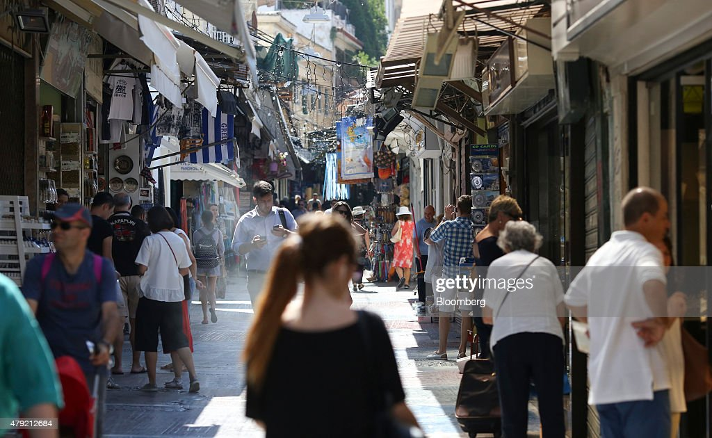 Daily Life In Athens' Plaka District Ahead Of Referendum : News Photo