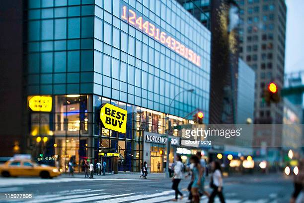 18 Best Buy Co To Announce Quarterly Earnings Pictures, Photos