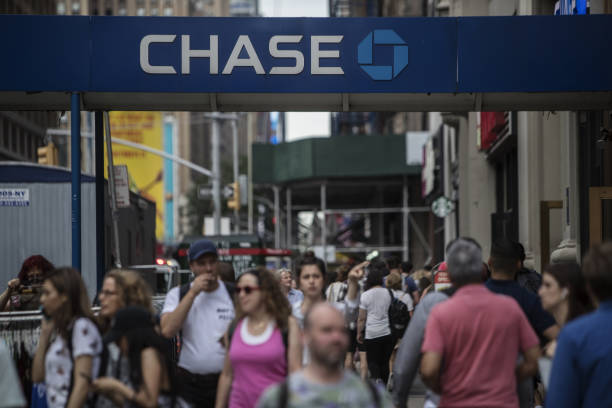 NY: A JPMorgan Chase & Co. Bank Branch Ahead Of Earnings Figures