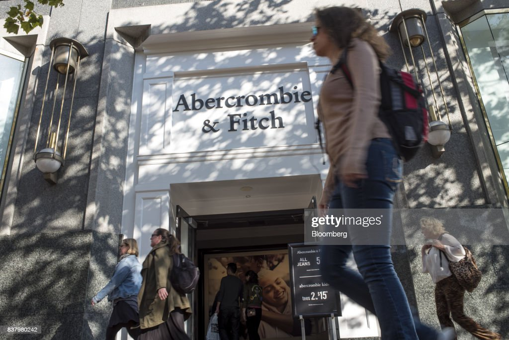 Pedestrians pass in front of an Abercrombie & Fitch Co. store in San Francisco, California, U.S., on Tuesday, Aug. 22, 2017. Abercrombie & Fitch Co. is scheduled to release earnings figures on August 24. Photographer: David Paul Morris/Bloomberg via Getty Images