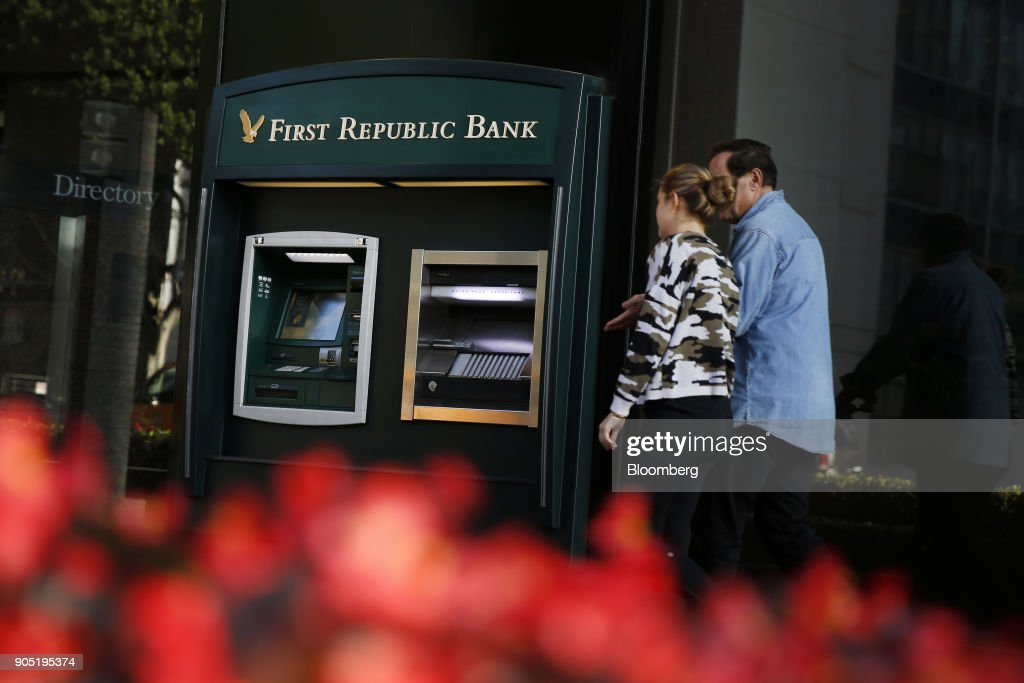 A First Republic Bank Branch Ahead Of Earnings Figures