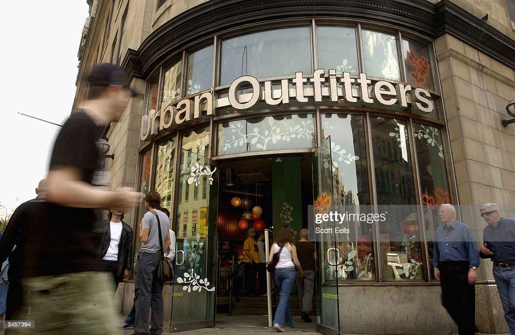 Clothing Retail Sales Expansion Marketing : News Photo