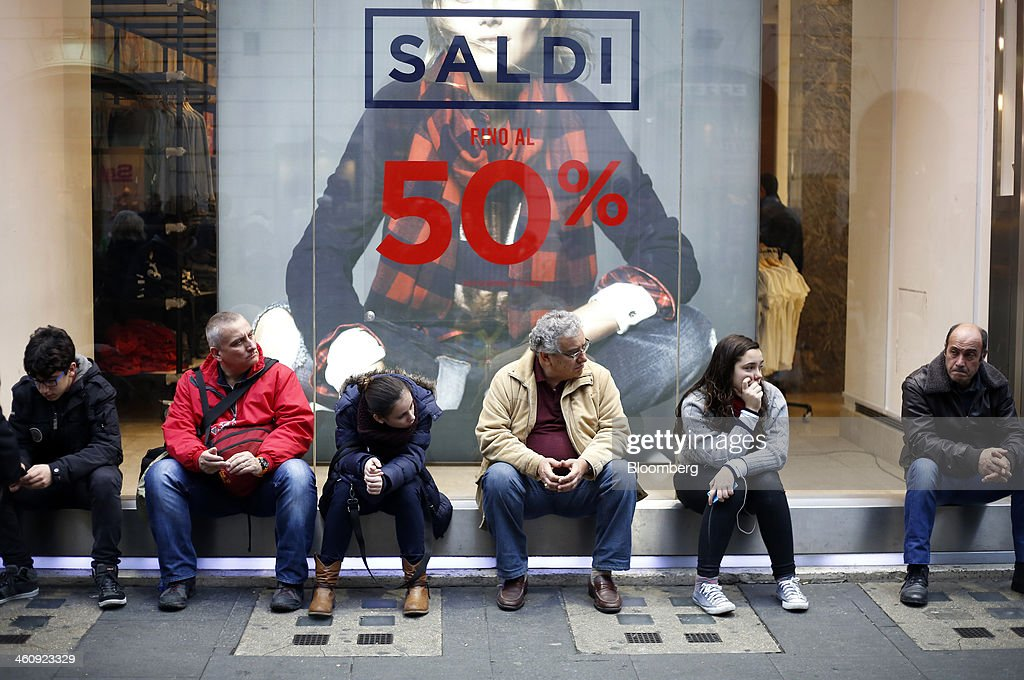 New Year Sales As Consumers Still Weary Of Italian Economy : News Photo