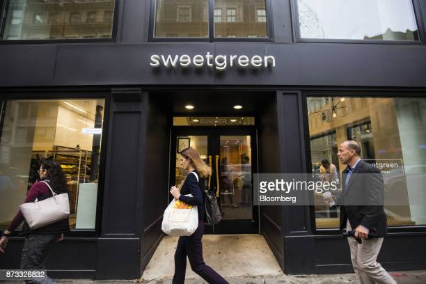 inside a sweetgreen inc restaurant as chain expands photos et images