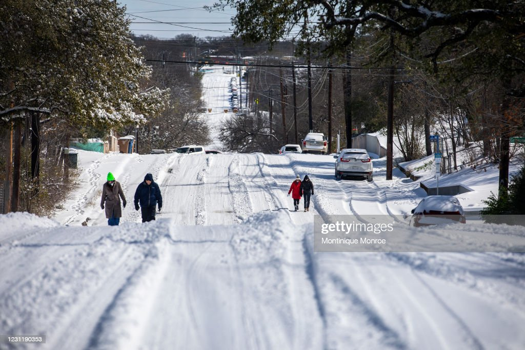 Winter Storm Uri Brings Ice And Snow Across Widespread Parts Of The Nation : ニュース写真