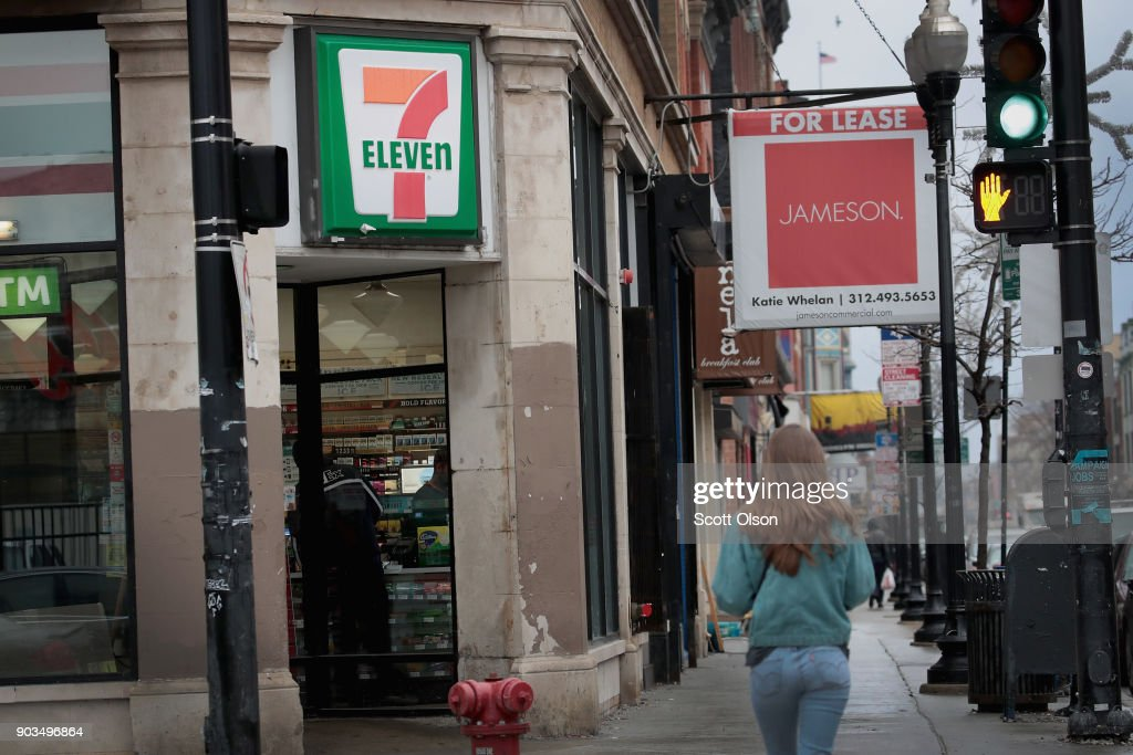 Agents From Immigration And Customs Enforcement Agency Target About 100 7-Eleven Stores In Employment Of Undocumented Raids : News Photo