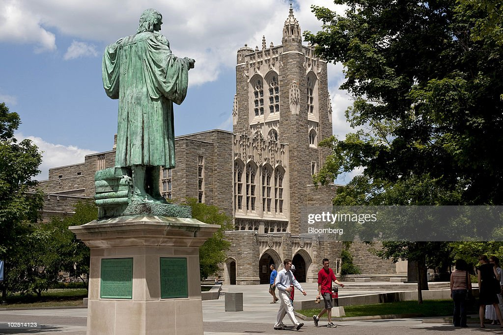 """Princeton As """"Hedge Fund"""" Foils Residents Seeking Relative Share of Taxes : News Photo"""