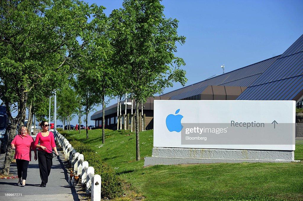 Apple Inc.'s Irish Campus As Tax Debate Continues : News Photo