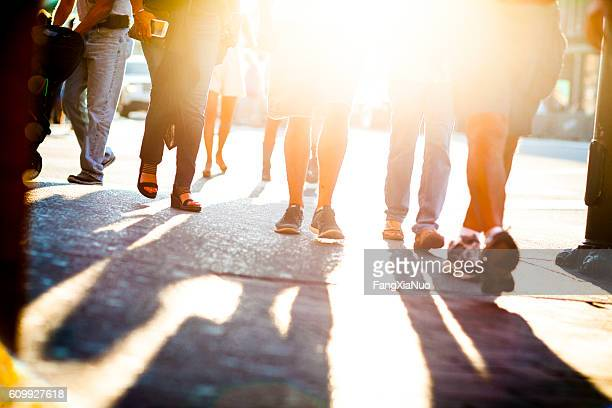 pedestrians walking on lower broadway street in downtown nashville - esplosione demografica foto e immagini stock