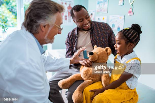 pediatric's office - healthcare stock pictures, royalty-free photos & images