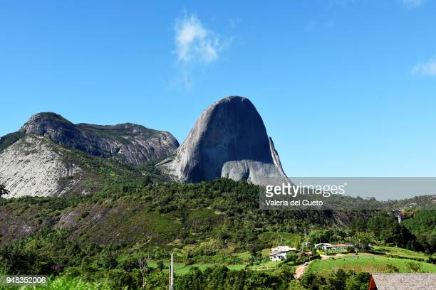 pedra azul, a jewel in the mountain - sem fim... valéria del cueto stock pictures, royalty-free photos & images