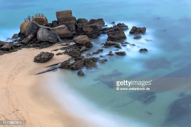 pedra que bole in santa cruz ii - reise stock pictures, royalty-free photos & images