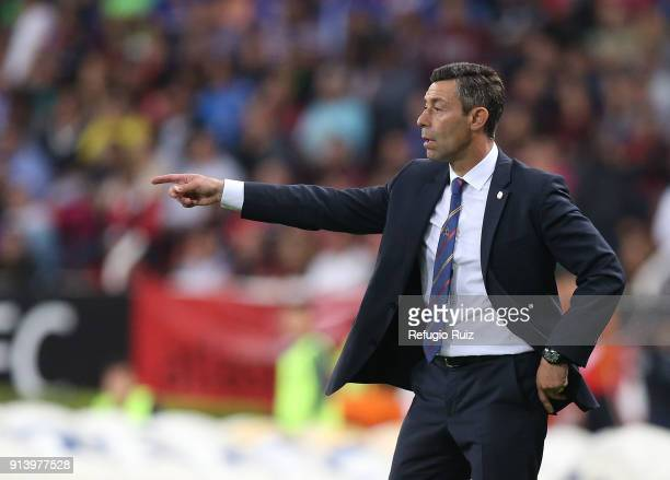 Pedro Caixinha coach of Cruz Azul gives instructions to his players during the 5th round match between Atlas and Cruz Azul as part of the Torneo...