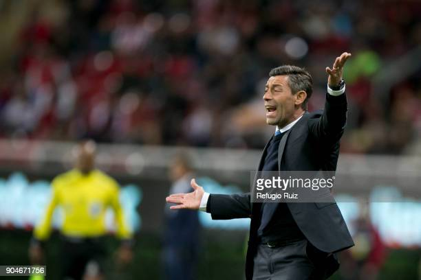 Pedro Caixinha coach of Cruz Azul gives instructions tohis players during the 2nd round match between Chivas and Cruz Azul as part of the Torneo...