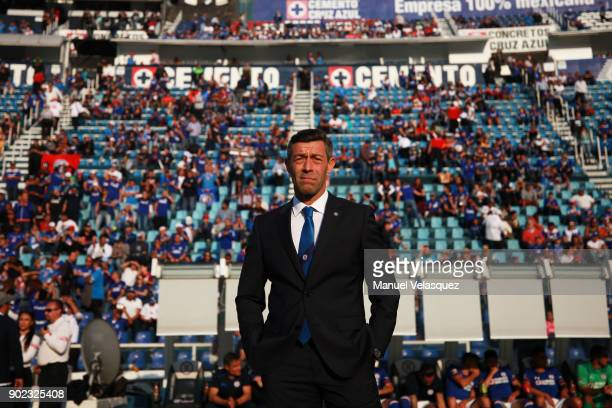 Pedro Caixinha head coach of Cruz Azul gestures during the first round match between Cruz Azul and Tijuana as part of the Torneo Clausura 2018 Liga...