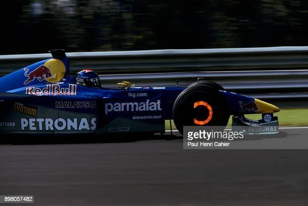 Pedro Diniz, Sauber-Petronas C19, Grand Prix of Italy, Autodromo Nazionale Monza, 10 September 2000. Red hot carbon brakes for Pedro Diniz in the...