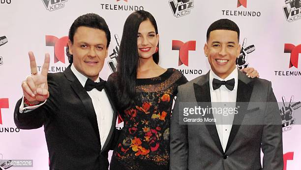 Pedro Fernandez Natalia Jimenez and Daddy Yankee pose on the red carpet during La Voz Kids finale at Universal Orlando on June 6 2015 in Orlando...