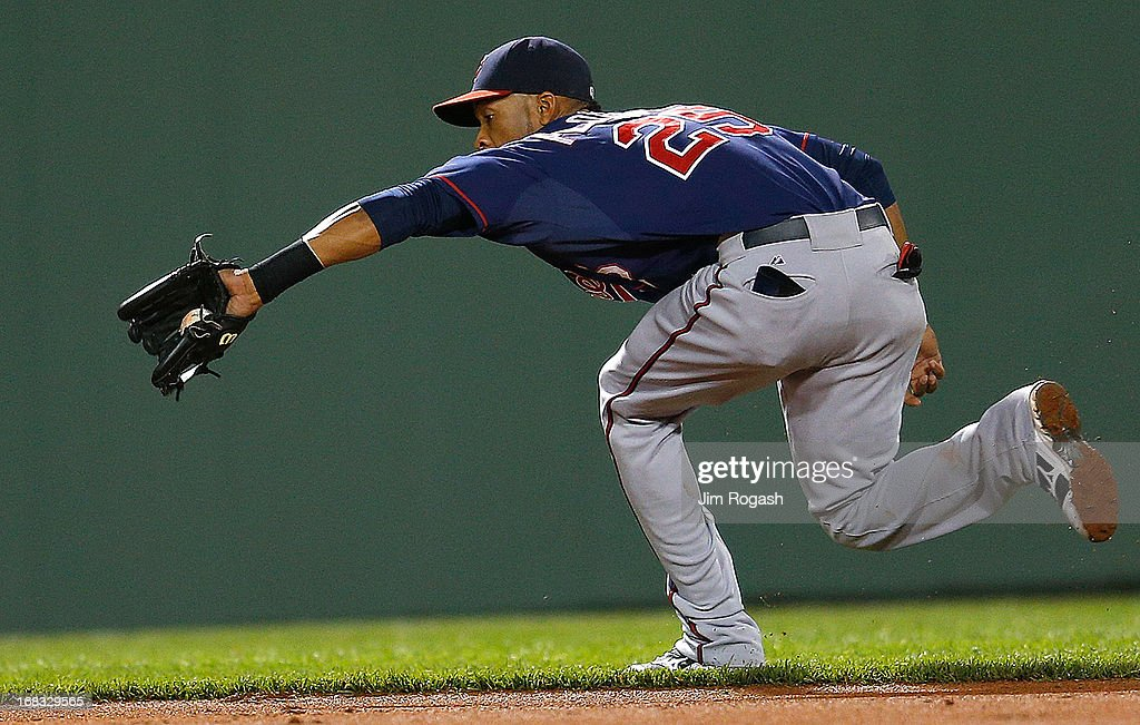 Pedro Florimon #25 of the Minnesota Twins snags a ground ball in the 4th inning against the Boston Red Sox at Fenway Park on May 8, 2013 in Boston, Massachusetts.