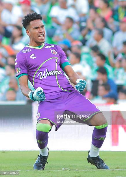 Pedro Gallese of Veracruz celebrates the first goal of his team scored by Cristian Menendez during the 4th round match between Santos Laguna and...