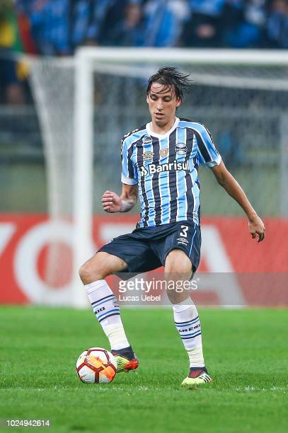 Pedro Geromel of Gremio during the match between Gremio and Estudiantes part of Copa Conmebol Libertadores 2018 at Arena do Gremio on August 28 in...