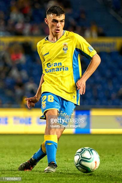 Pedro Gonzalez Lopez 'Pedri' of Las Palmas passes the ball during the match between Las Palmas and Rayo Vallecano at Estadio Gran Canaria on December...